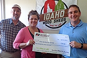 Alan and Alice Bradshaw receives $500 from agent Lee Pounds